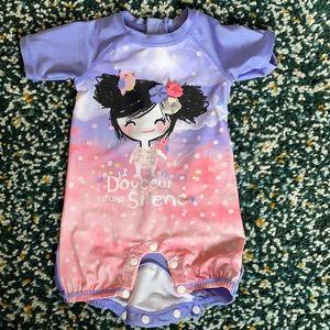 SHORT-SLEEVE ONE-PIECE SWIMSUIT BABY GIRL
